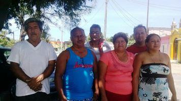 Los pescadores de Barra de Chachalacas en pie de lucha, en  la gr+ífica el vocero Jos+® Mateo Tejeda y el Presidente de la Mesa  Directiva, Ariel González