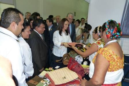 Todo el apoyo a los proyectos productivos de las  comunidades indígenas