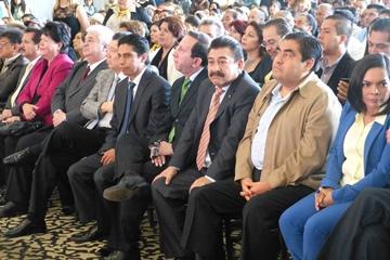 El senador Pedraza buscará encabezar un Frente Opositor en el 2016