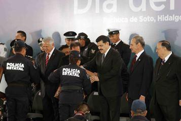 El gobernador Olvera Ruiz hizo entrega de 83 reconocimientos de Técnicas Profesionals