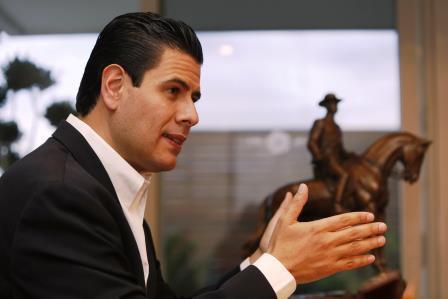El gobernador, Miguel Alonso Reyes, disparó la deuda pública en su gestión. Foto:periodicoexpresionzac.wordpress.com