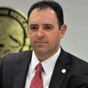Alejandro Tello no logró desprenderse de la corrupta imagen del gobernador Miguel Alonso Reyes