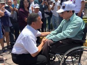 En silla de ruedas, Francisco Vargas Marín, dirigió emotivos elogios al candidato