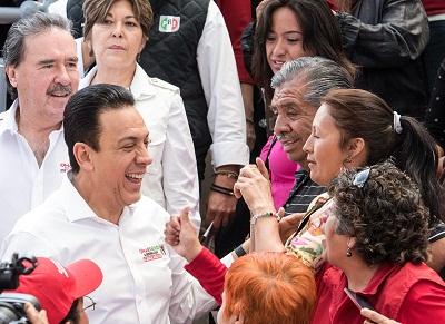 La gente de Mineral de la Reforma, se le entregó al aspirante del tricolor a la gubernatura
