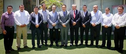 El gobernador electo con los presidentes municipales de Encuentro Social