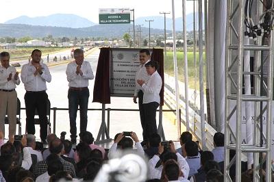 Ambos entregaron obras en el municipio de Villa de Tezontepec