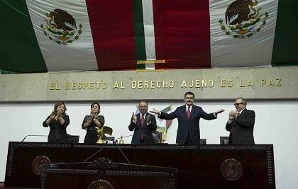 Francisco Olvera Ruiz enumeró los logros sociales  alcanzados en su gestión