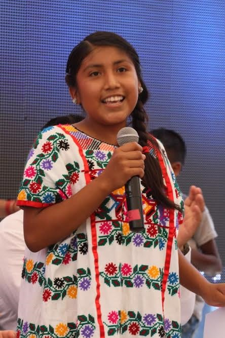 Los niños indígenas agradecieron por los beneficios que la obra traerá en su educación