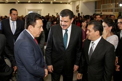 También asistió al acto el gobernador electo, Omar Fayad