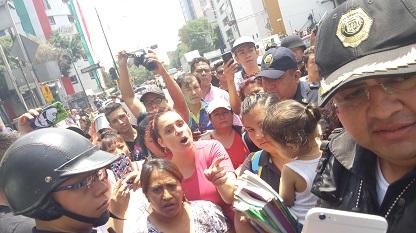 Vecinos y comerciantes de la zona apoyaron a los ambulantes