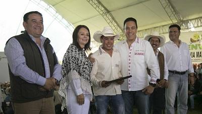 Reiteró la funcionaria el compromiso del Presidente en favor de los indígenas