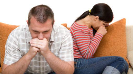 El cónyuge ofendido no podrá demandar al adultero